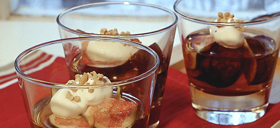 Fikon i vin santo med mandelgrädde