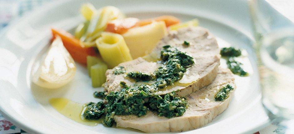 Kokt kalvkött med grön sås