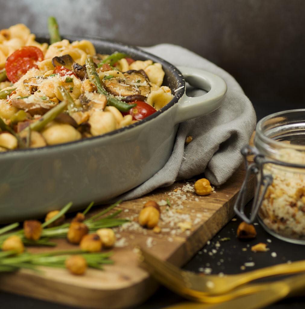 Recept p¨å Orecchiette med svamp, pancetta, gröna bönor och hasselnötsströssel