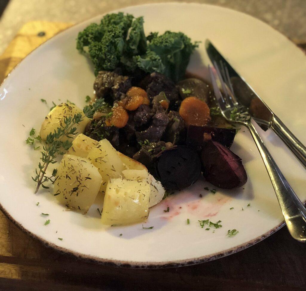 Recept på Klassisk kalops med högrev eller bringa