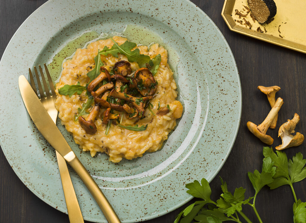 Recept på Risotto med kantareller, tryffel och pumpa. Risotto di zucca, funghi trifolati e tartufo.
